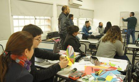 """Formación Docente en el Centro de Innovación: """"Alfabetización Tecnológica. Electrónica básica y Robótica"""""""