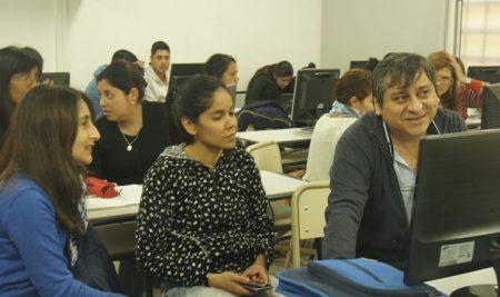 """Formación Docente en el Centro de Innovación: """"Diseño y evaluación de proyectos educativos"""""""