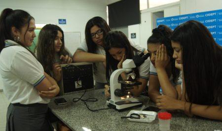 Jueves de INNVOCLab, en el Laboratorio de Química-Biología del CIIDEPT